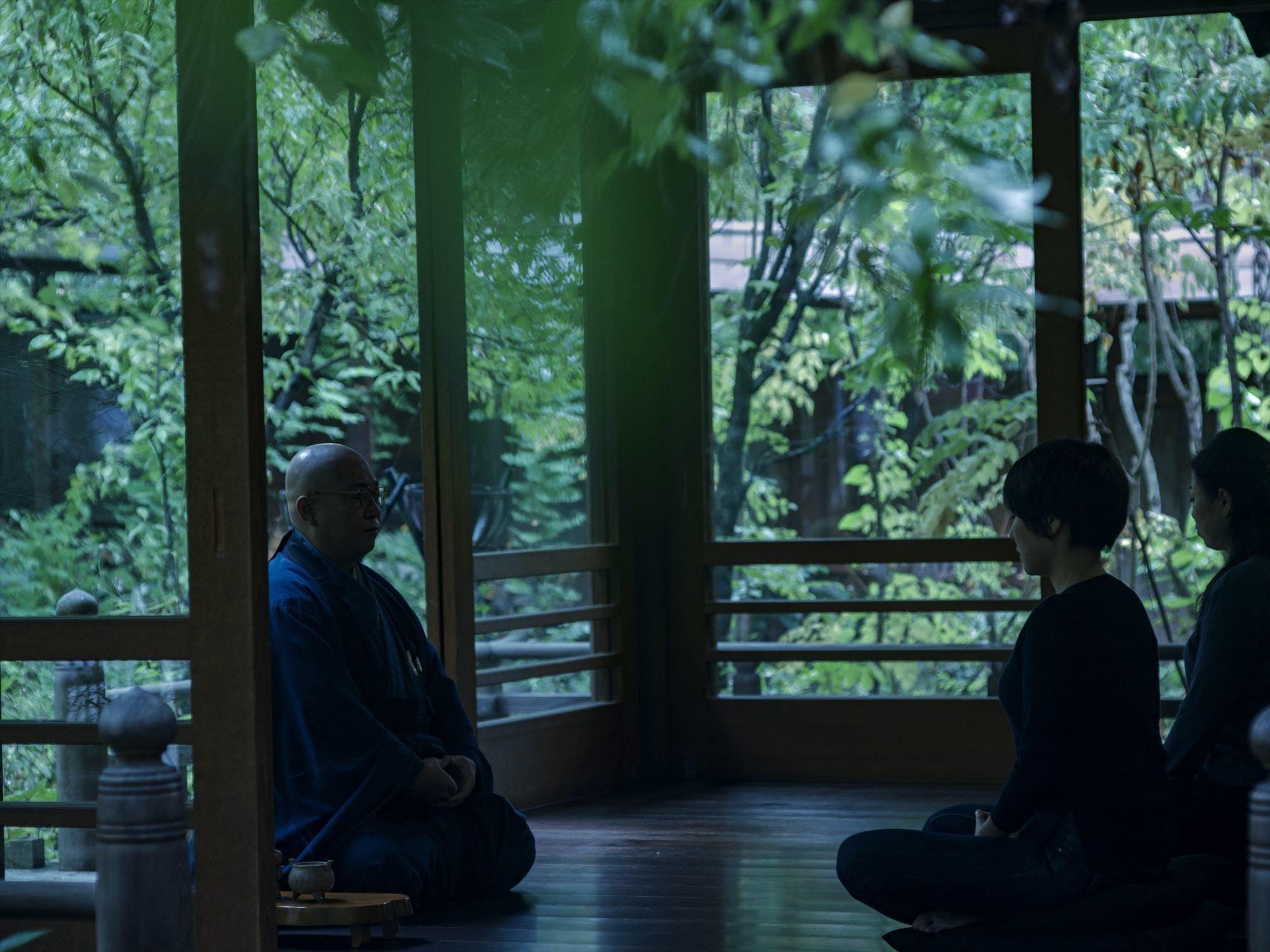 座禅やお茶など、禅の世界に触れる