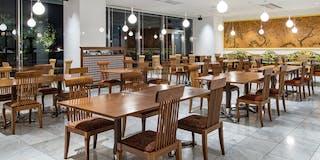 8F レストラン「庭の食卓・四季」