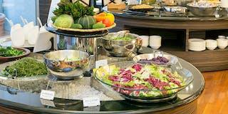 サラダコーナー シェフが季節によって選んだこだわり野菜