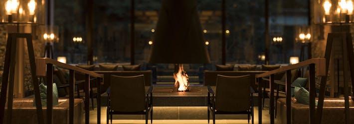 暖かな炎に薪の香りでくつろぎのひと時を 水上温泉 みなかみホテルジュラク(群馬県/水上温泉)