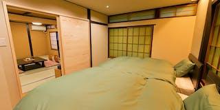 ベッド付き和室