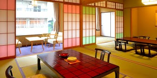 特別室 和室10畳+10畳のゆったりとした間取りに心和みます。