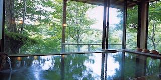 青石の大浴場