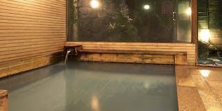 「永楽の湯」【男湯】源泉は宿の前、地蔵の湯。一日の量が五百万石と云われる新鮮な温泉です。