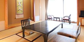 客室一例/お食事は個室またはお部屋にご用意致します。