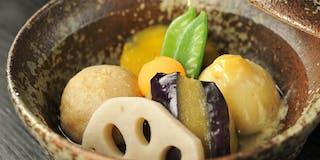 八景の顔とも言うべき料理「お野菜の炊き合わせ」。素材によって別々に火をとおした逸品