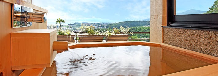 琵琶湖を見下ろす高台に建つ温泉旅館 里湯昔話 雄山荘(滋賀県/おごと温泉)