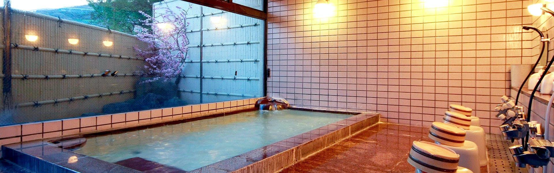 記念日におすすめのホテル・甲州最古の源泉とワインの宿 岩下温泉旅館の写真3