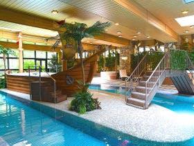 室内温水プール「comoriパーク」