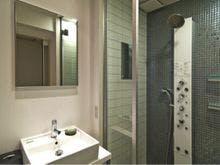 シャワーブースシングルルーム
