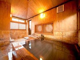 グルメな夫が満足する、料理が美味しい別府温泉の温泉宿を教えてください。