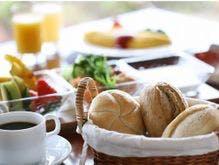 焼きたてパンが嬉しい洋朝食