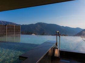 両親へ温泉旅行のプレゼント!箱根の名湯で夫婦水入らずでくつろげるお宿