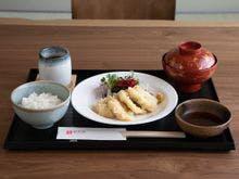 昼食とり天(宙)