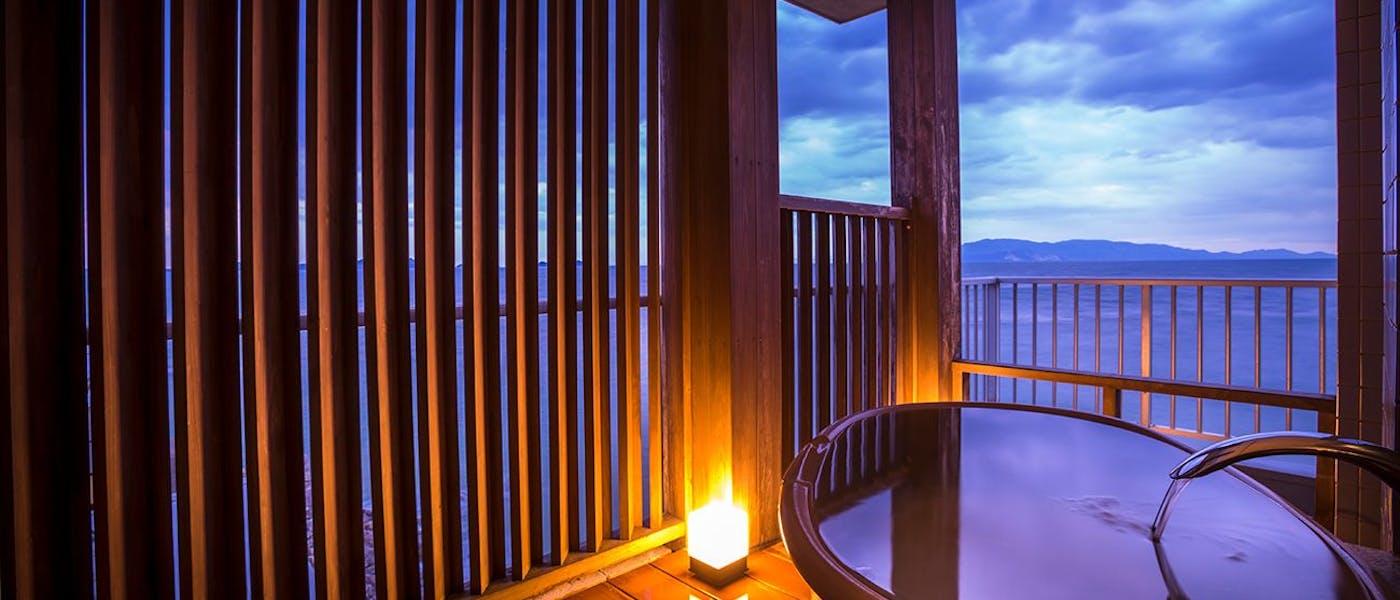 絶景露天風呂の宿 銀波荘