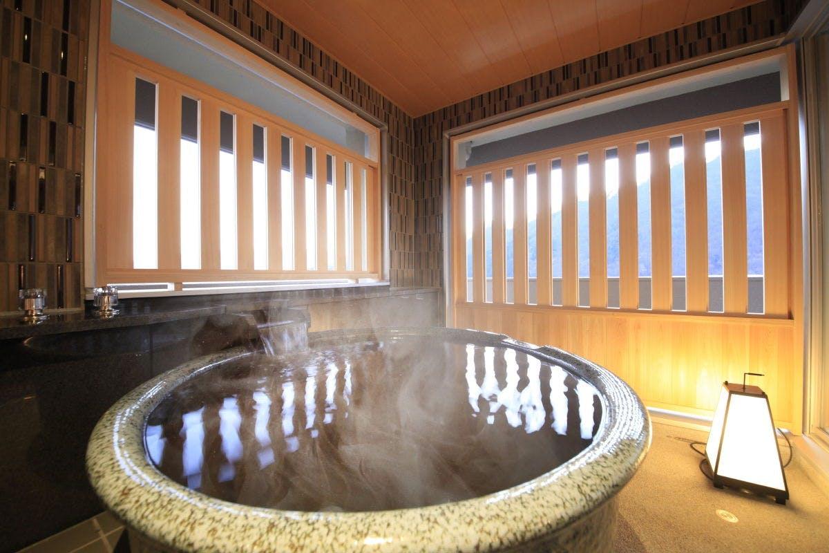 の 猿ケ京 湯 千 宿 谷 温泉 源泉 の