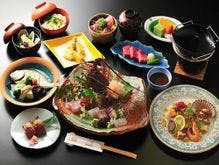 伊勢志摩に代表される料理の数々を巡る会席