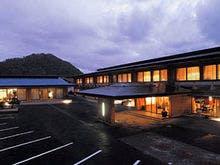 友達と北海道をたっぷり楽しみたい。新千歳空港周辺の温泉地でおすすめの宿を教えて!