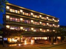 広島へ行きます。牡蠣と温泉を楽しめるお宿はありますか?