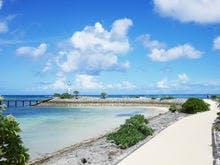 敷地内にある離岸島まで続く海上遊歩道