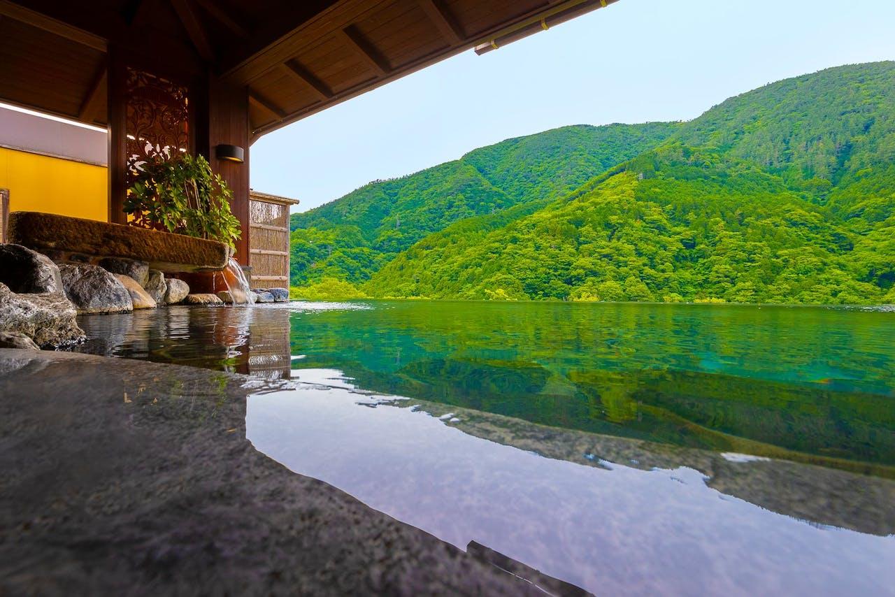 絶景の温泉大浴場
