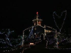 丘の上にたつ白亜の教会、大江天主堂