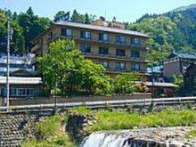 和の雰囲気が良い渋温泉で恋人との旅行におすすめな宿は?
