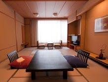 白雲南館 ファミリールーム 和室