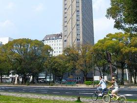 平和大通を西に15分歩けば「平和記念公園」