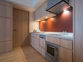 キッチン付きのお部屋には食器洗い洗浄機。