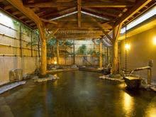 家族4人で石和温泉へ行く計画をしてますが、貸切風呂がある温泉宿があれば教えてください。