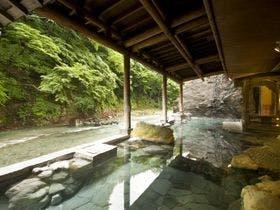 スキー帰りに四万温泉で露天風呂と美味しい料理を楽しみたいです