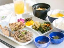 和洋ブッフェの朝食 和食盛り付け例