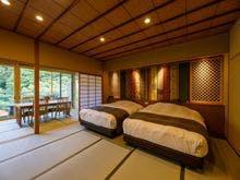 ひのき露天風呂付萌木色12.5畳+和ベッド