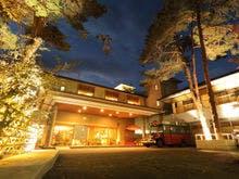 年末年始に家族でのんびり過ごせる、露天風呂付客室か貸切風呂のある鬼怒川温泉の宿を教えてください。