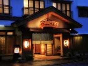 外国人の友人を連れて塩原温泉へ!美味しい和食と露天風呂を堪能できる宿を教えてください!