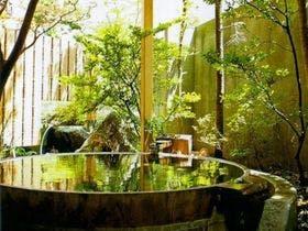 お腹が気になる妊婦でもリラックスして入れる貸切風呂がある月岡温泉の宿はありますか?