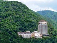 100名城の鶴ヶ城で、さくら100選を眺めて、落ち着いた温泉旅館に泊まりたい