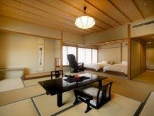 飛天館 和室ベッド【12.5畳+ツイン】