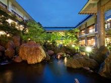 平日に休みを取ったので月岡温泉に行きます!のんびり出来る露天風呂のある宿を教えてください。