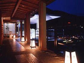 5万円以内で宿泊可能な下呂温泉の露天風呂付き客室を教えて下さい。