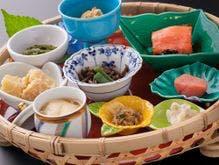【朝食】福島の幸を籠にちりばめました