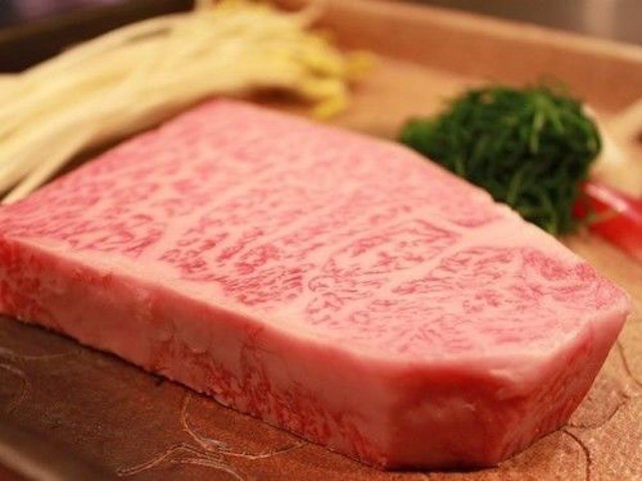 【米沢牛最高級サーロインステーキ】