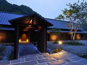 夏休みに恋人と贅沢な気分を味わえる湯田温泉の宿