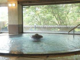 景色が眺められる露天風呂がついた湯河原温泉の宿はどこ?