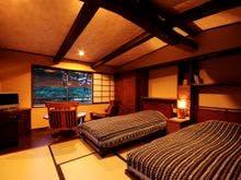 天橋立を眺める和のベッドルーム