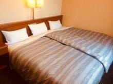 240センチ幅のベッドです。