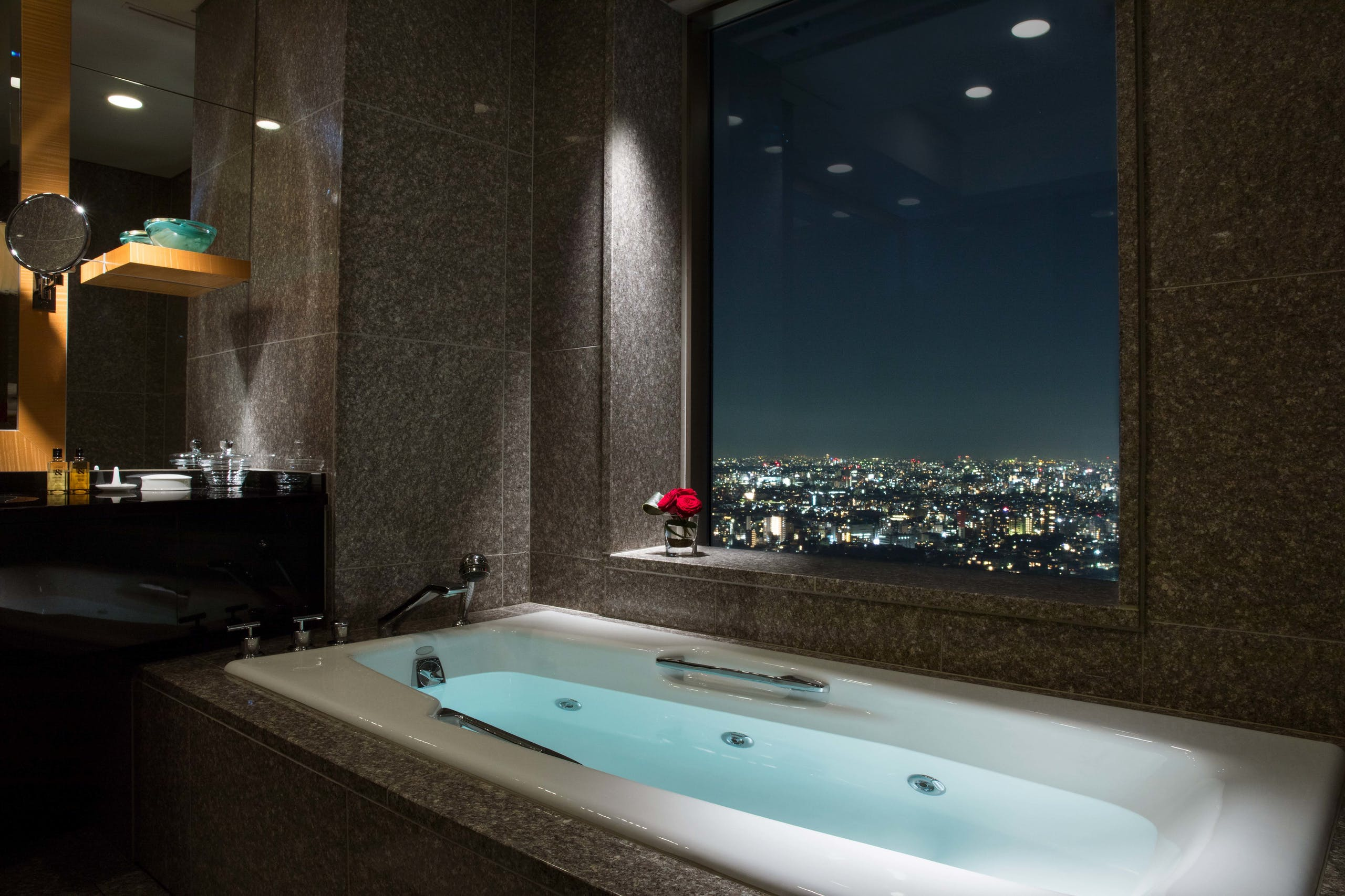 セルリアンタワー東急ホテル スイート バスルームイメージ