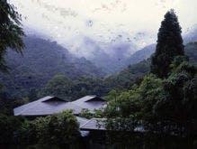 宿と山の景色