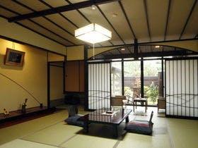 9室中3部屋限定の露天風呂付客室です
